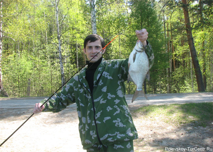 Рыбалка на Глубоченском пруду. Фото Карпова С.О., май 2012 г.