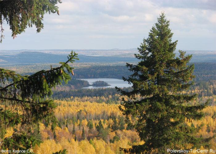 Вид на Глубоченский пруд с Берёзовой горы. Фото Карпова С.О., 2012 г.